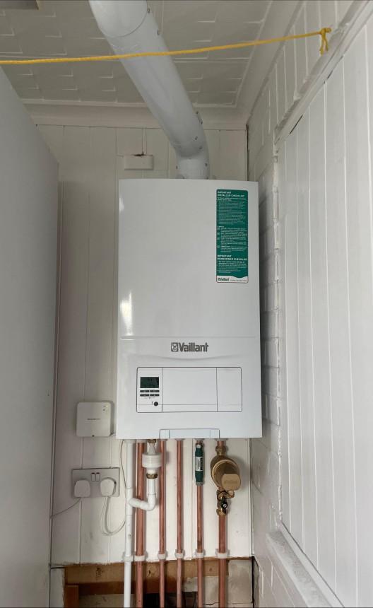 Vaillant Ecofit Pure 824 combi boiler with vertical flue
