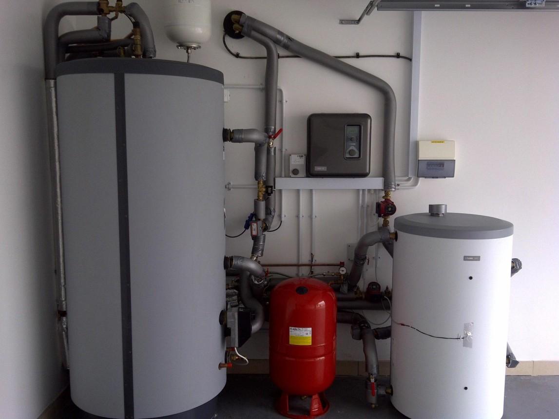 Heat pump cylinder and controls