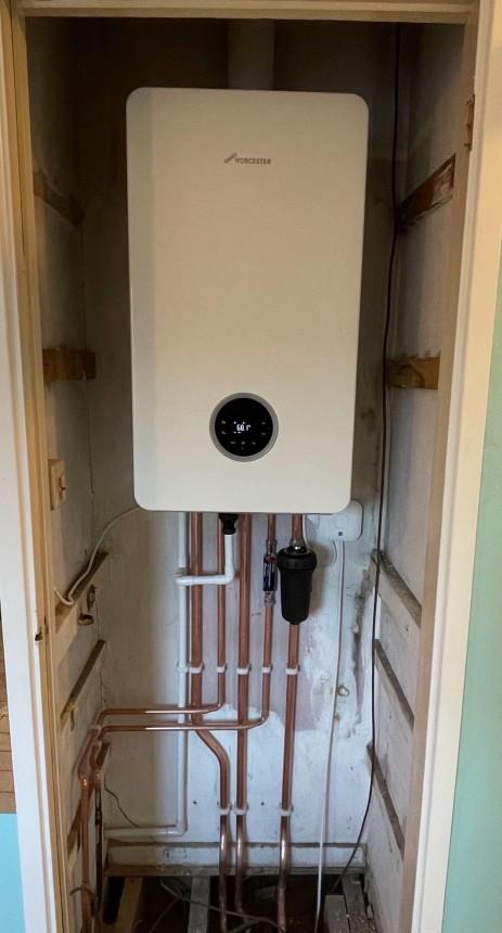 Worcester 8000 Life 35KW Combi Boiler