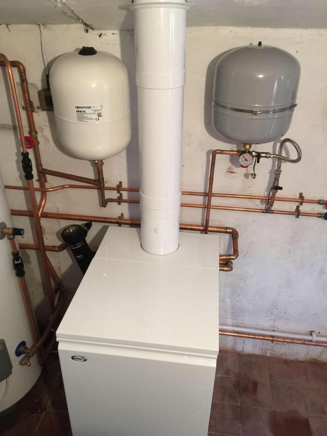 Grant Heat Only Condensing Boiler Vertical Flue