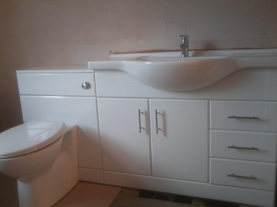 wash basin / toilet vanity unit